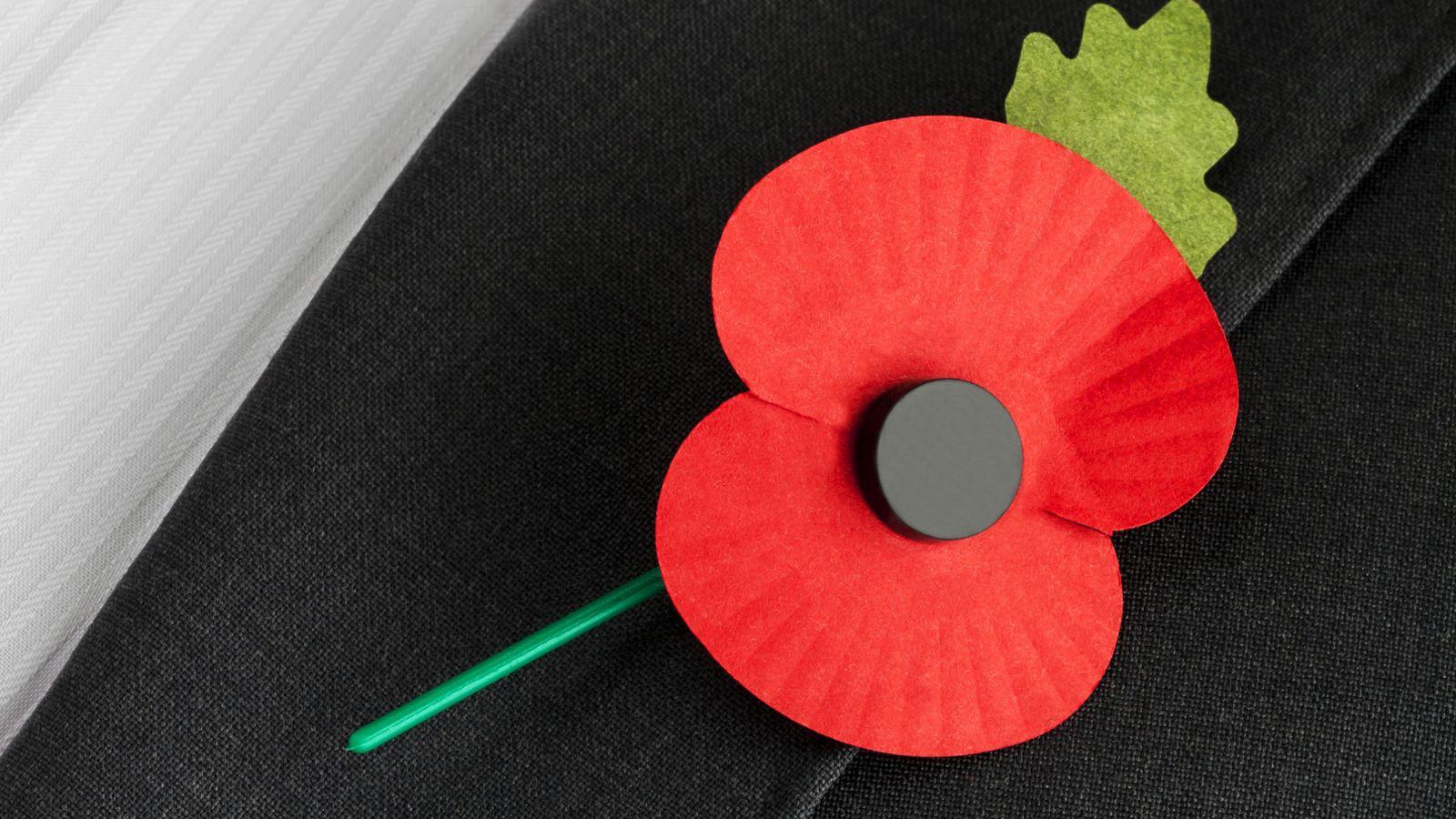 Εσύ θα φόραγες σύμβολο μνήμης και τιμής για Τούρκους  0f7c33b3ab7