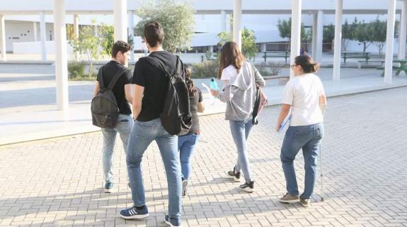 Χαμπιαούρης: Πιάσαμε πάτο, αν διαβάζουν περισσότερο οι μαθητές δεν είναι κακό