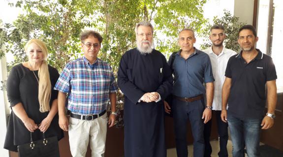 Οι Θεολόγοι τα βάζουν με τον Αρχιεπίσκοπο για το θέμα της Ουκρανίας