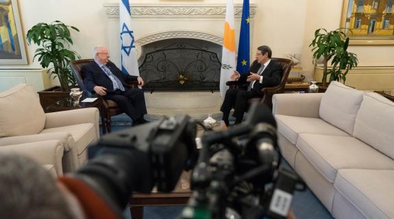 Ορόσημο η επίσκεψη Ρίβλιν για τις σχέσεις Κύπρ&o