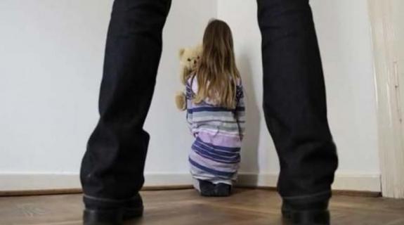 14χρονη κατήγγειλε τον παππού της για σεξουαλική κακοποίηση
