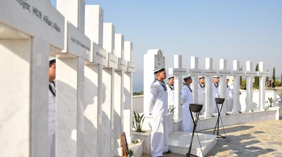 Ξύπνησαν οι μνήμες του πόνου και του χαμού στη Ναυτική Βάση στο Μαρί (ΒΙΝΤΕΟ)