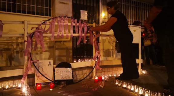 Αθόρυβα και σιωπηλά αποχαιρέτησαν τον 14χρονο μαθητή (ΦΩΤΟ
