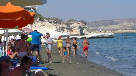 'Καμίνι' και αύριο η Κύπρος με το θερμόμετρο να δ&epsi