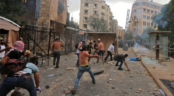 LIVE: Καζάνι που βράζει η Βηρυτός μετά τη φονική έκρη&x