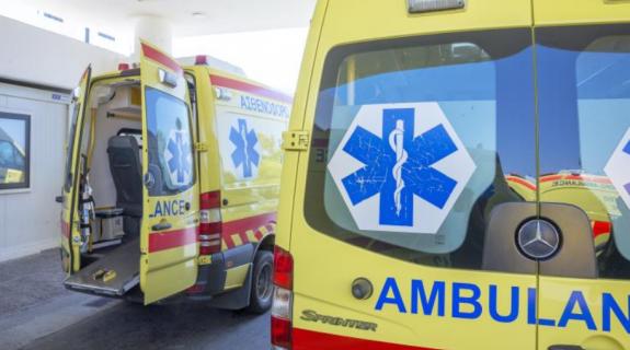 Νεκρό άντρα σε παγκάκι στον παραλιακό Λεμεσού εντόπισαν πολίτες