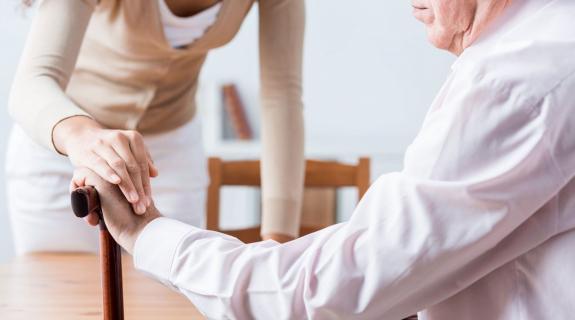 55% των ατόμων με ρευματικές παθήσεις κινδύνευσαν με κατάθλιψη λόγω πανδημίας
