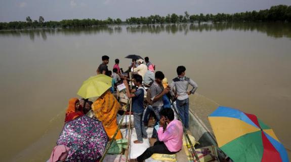 Οκτώ παιδιά έχασαν τη ζωή τους εξαιτίας καταρρακτωδών βροχών στην Ινδία