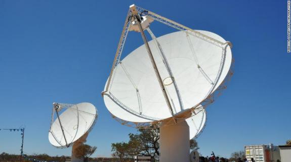 Σε συναγερμό η διαστημική κοινότητα: Παράξενα ραδιοκύματα φθάνουν στη Γη