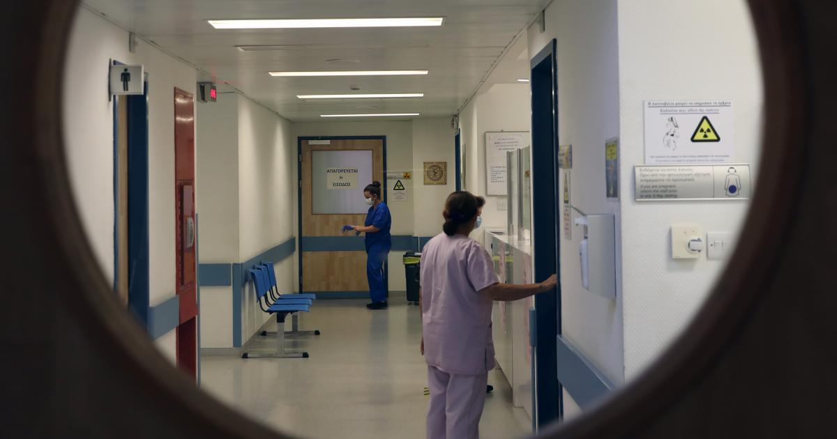 Απολύθηκε από το Γενικό Νοσοκομείο Λεμεσού, τελειώνοντας μερικές ώρες αργότερα