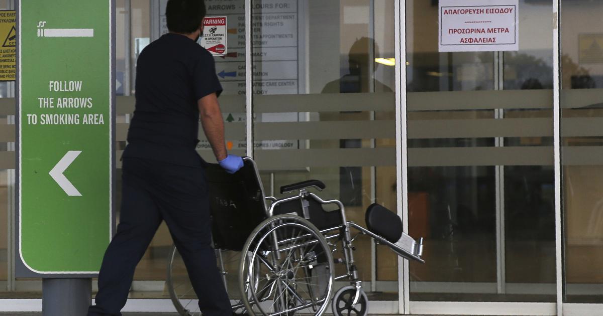 Κάθε πέμπτος ασθενής με κοροναϊό αντιμετωπίζεται με διασωλήνωση (VIDEO)