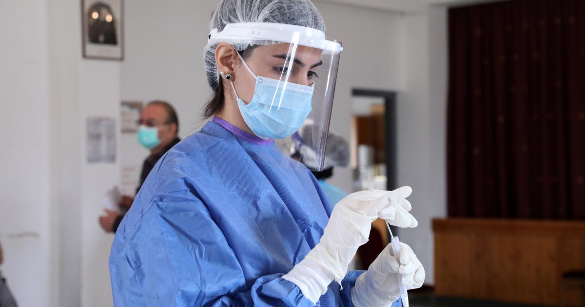 Το υπουργείο ανακοίνωσε 907 νέες περιπτώσεις – τέσσερις θανάτους ασθενών.  Υγεία: