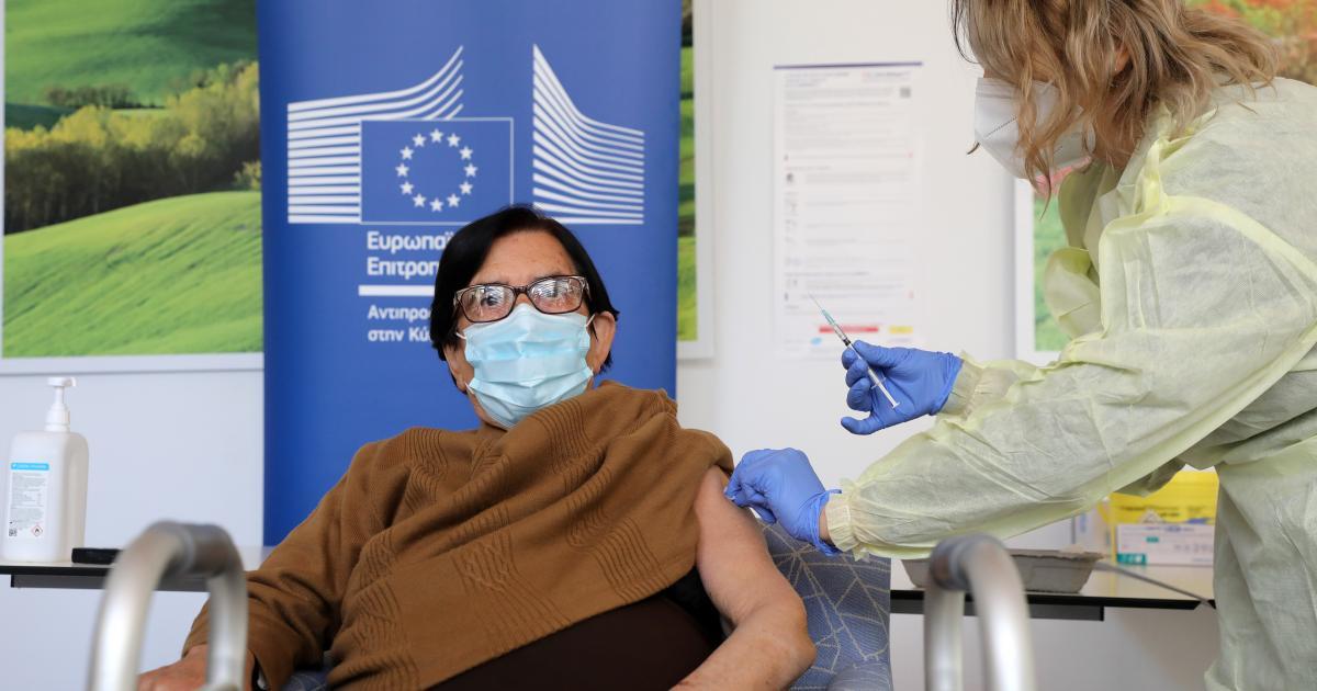 """Τρεις γηροκομεία στον Πάπο σε """"χάρτη"""" εμβολιασμού (ΒΙΝΤΕΟ)"""