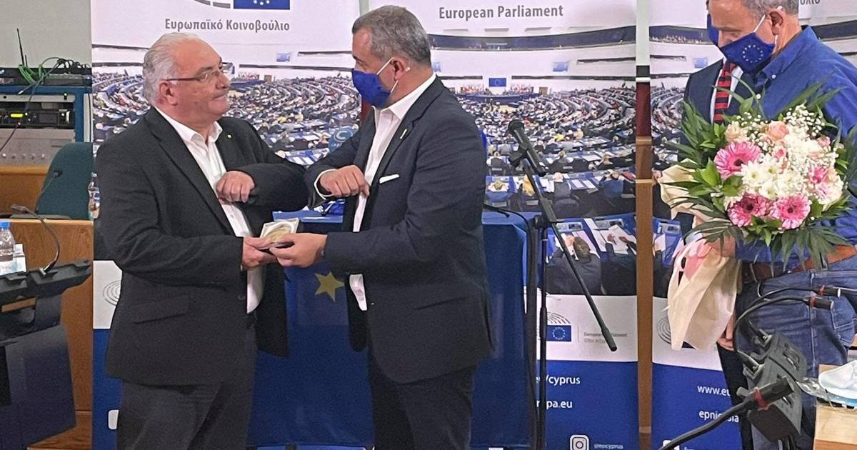 Ευρωπαίος πολίτης της χρονιάς, συγκίνηση և Υπερηφάνεια για τον Κώστα Βίκας (VID)
